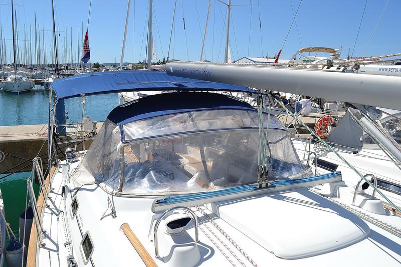 Oceanis Clipper 423, Brava