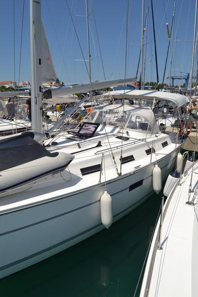 Bavaria Cruiser 40, Manta