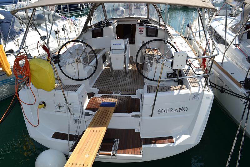 Sun Odyssey 379, Soprano