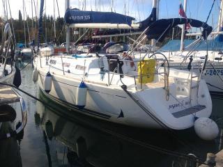 Dufour 325 GL - Jonathan Blue 1