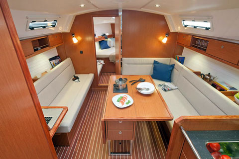 Bavaria Cruiser 36, Office