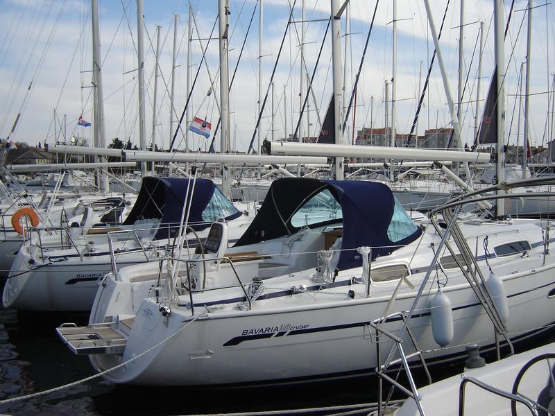 Bavaria 38 Cruiser, Dani