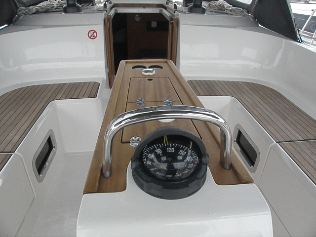 Bavaria Cruiser 46, Tac