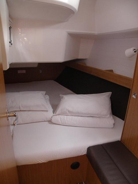 Bavaria Cruiser 37, Jop
