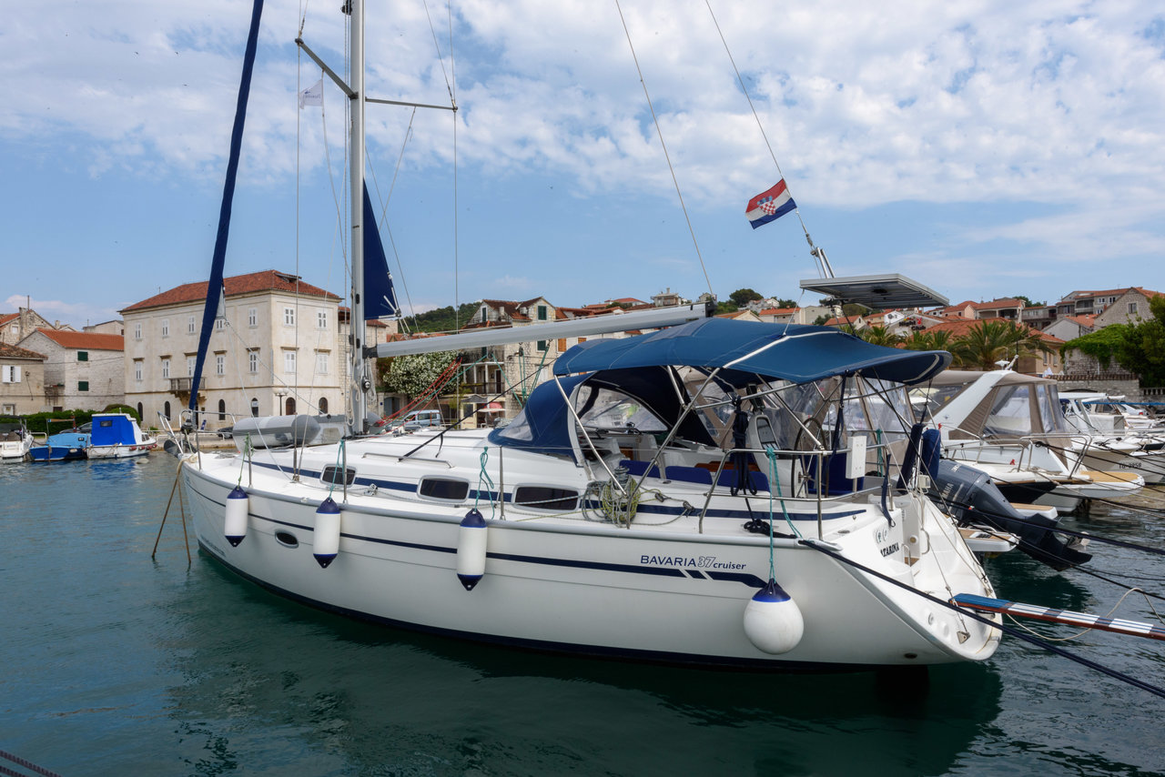 Bavaria 37 Cruiser (2008) - Marina Trogir - ACI