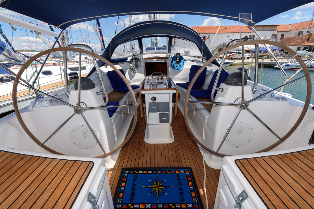Bavaria 42 Cruiser - Blue Queen