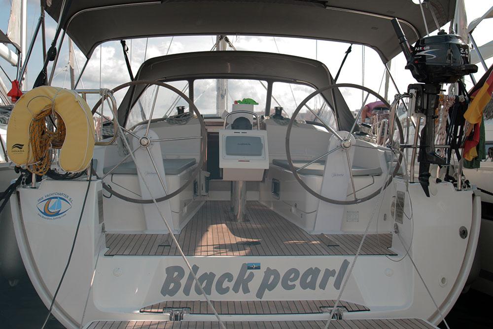 Bavaria Cruiser 37 - 3 cab. - Black Pearl