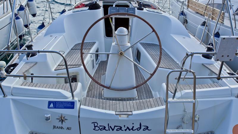 Sun Odyssey 36i, Balvanida