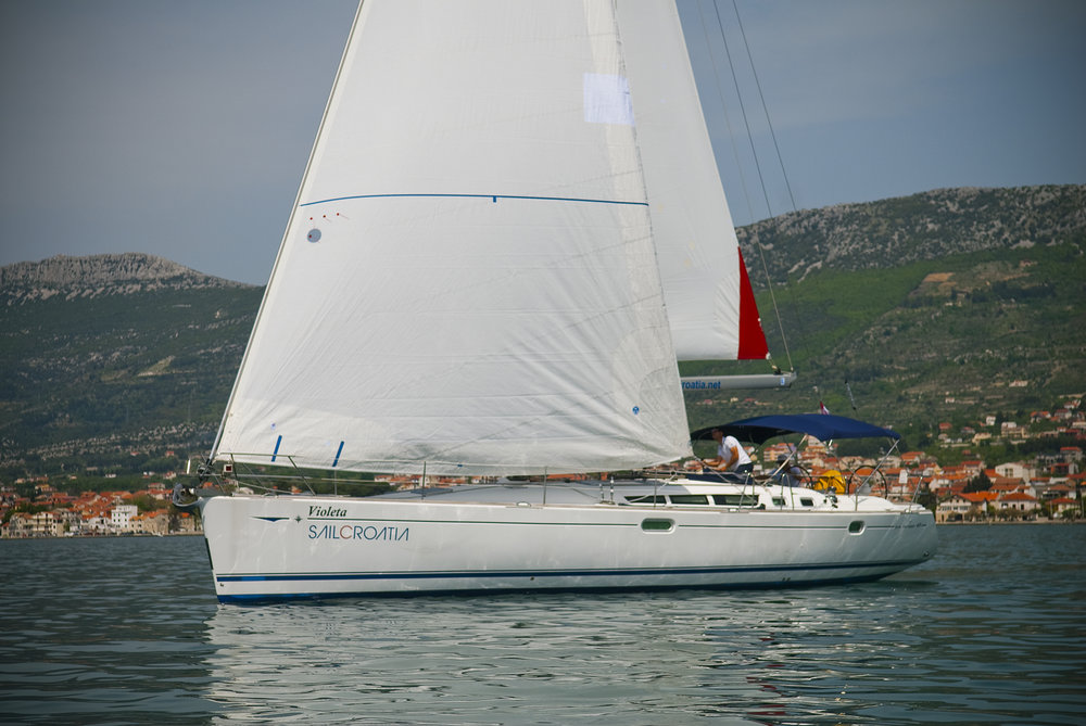 Sun Odyssey 49, Violeta