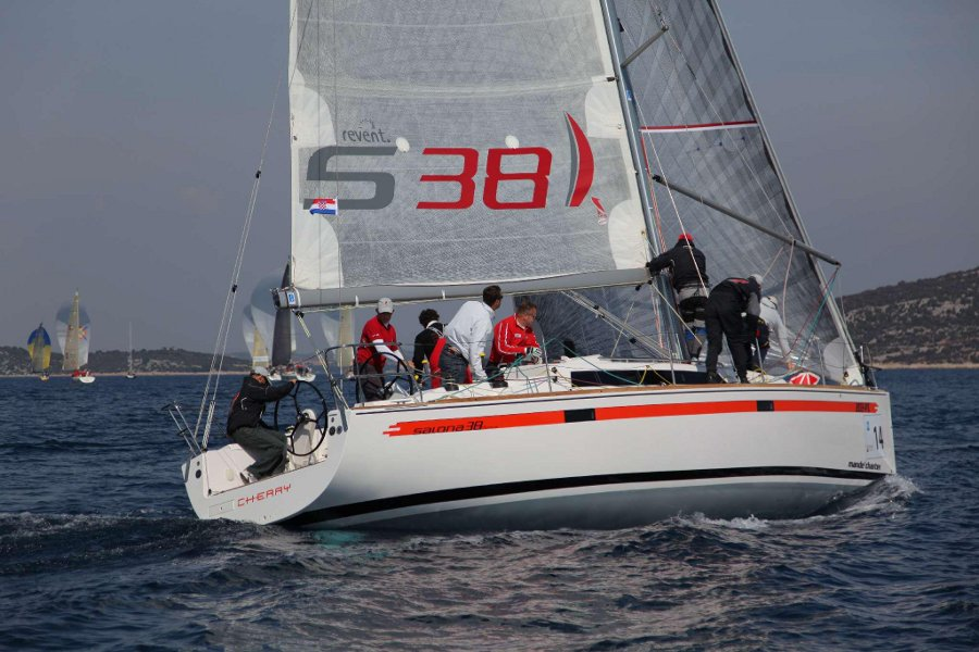 Salona 38, Cocktail