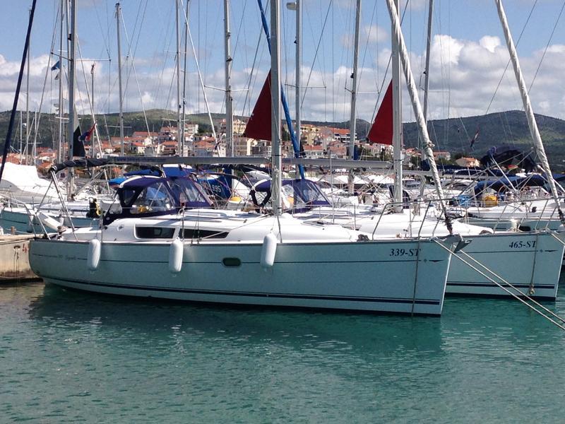Sun Odyssey 32i, Iva