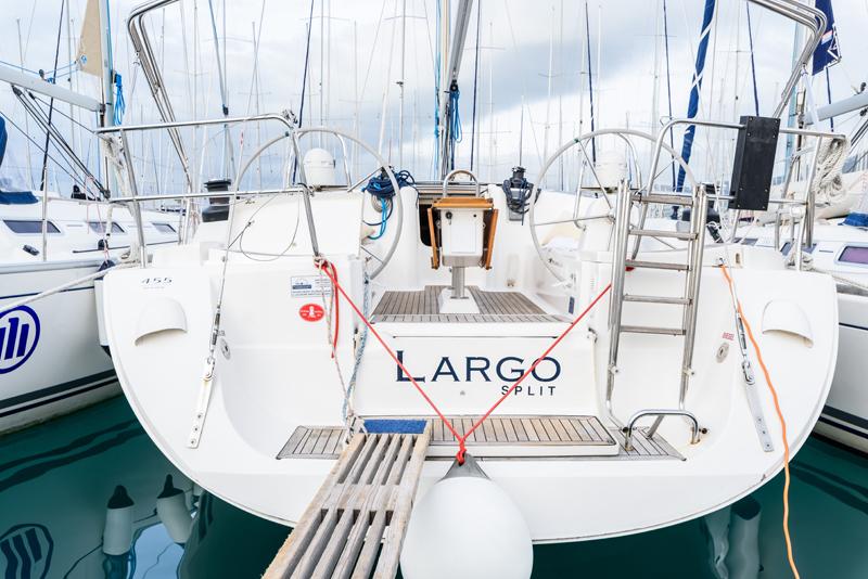 Dufour 455 GL, Largo