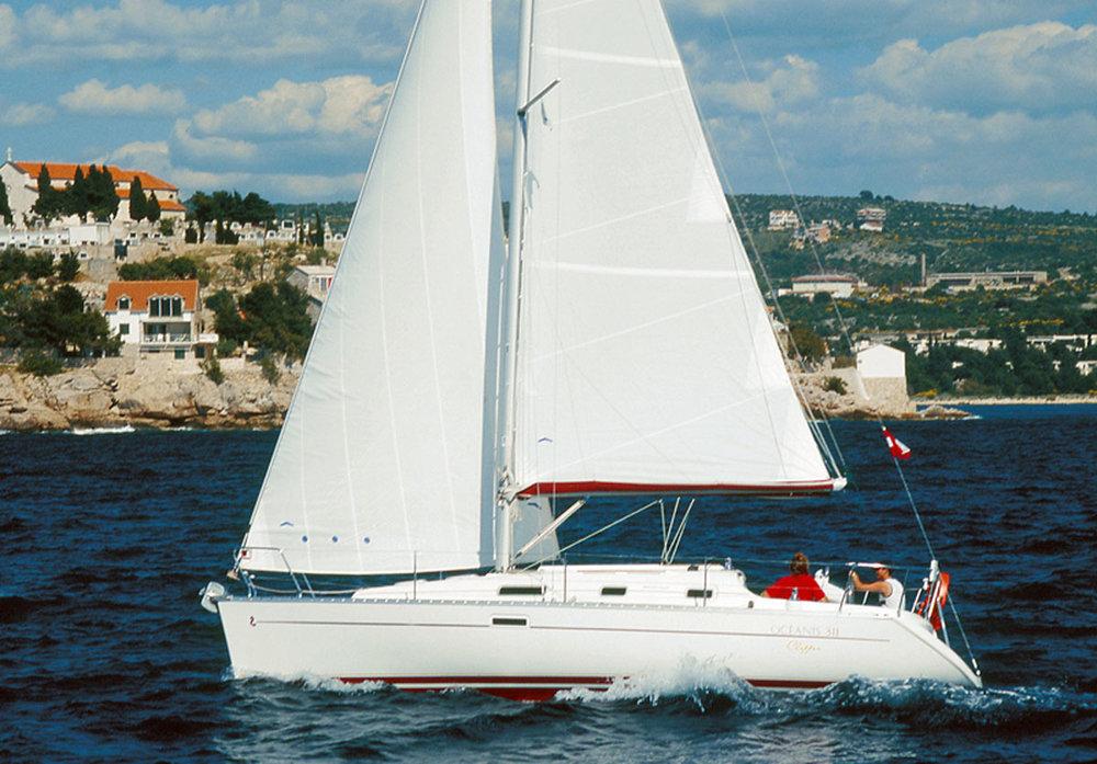 Oceanis Clipper 311 - 2 cab. (2002) - Marina Zenta, Split
