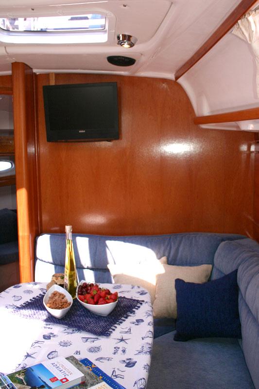 Bavaria 39 Cruiser, Vana