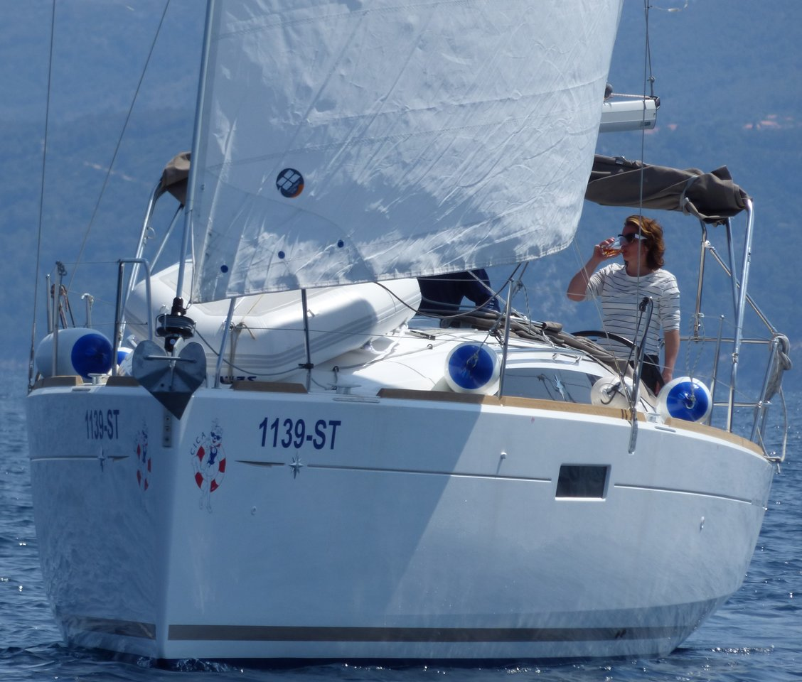 Sun Odyssey 349 - 2 cab. - Cica