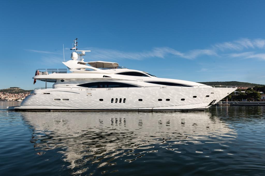 Sunseeker Yacht 105 - Baby