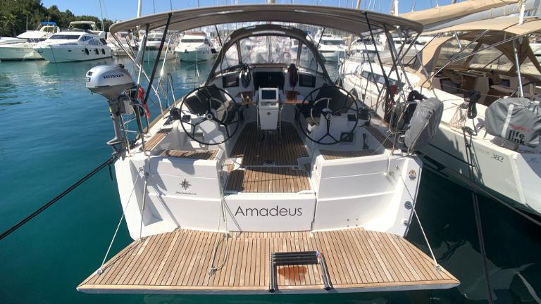 Sun Odyssey 389 - Amadeus