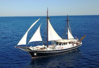Yacht - Joanna K