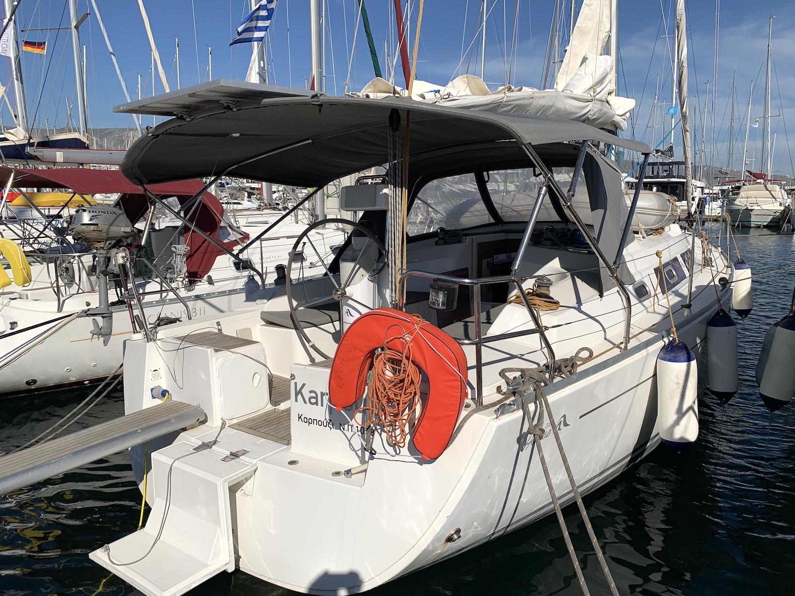 Yacht Karpouzi