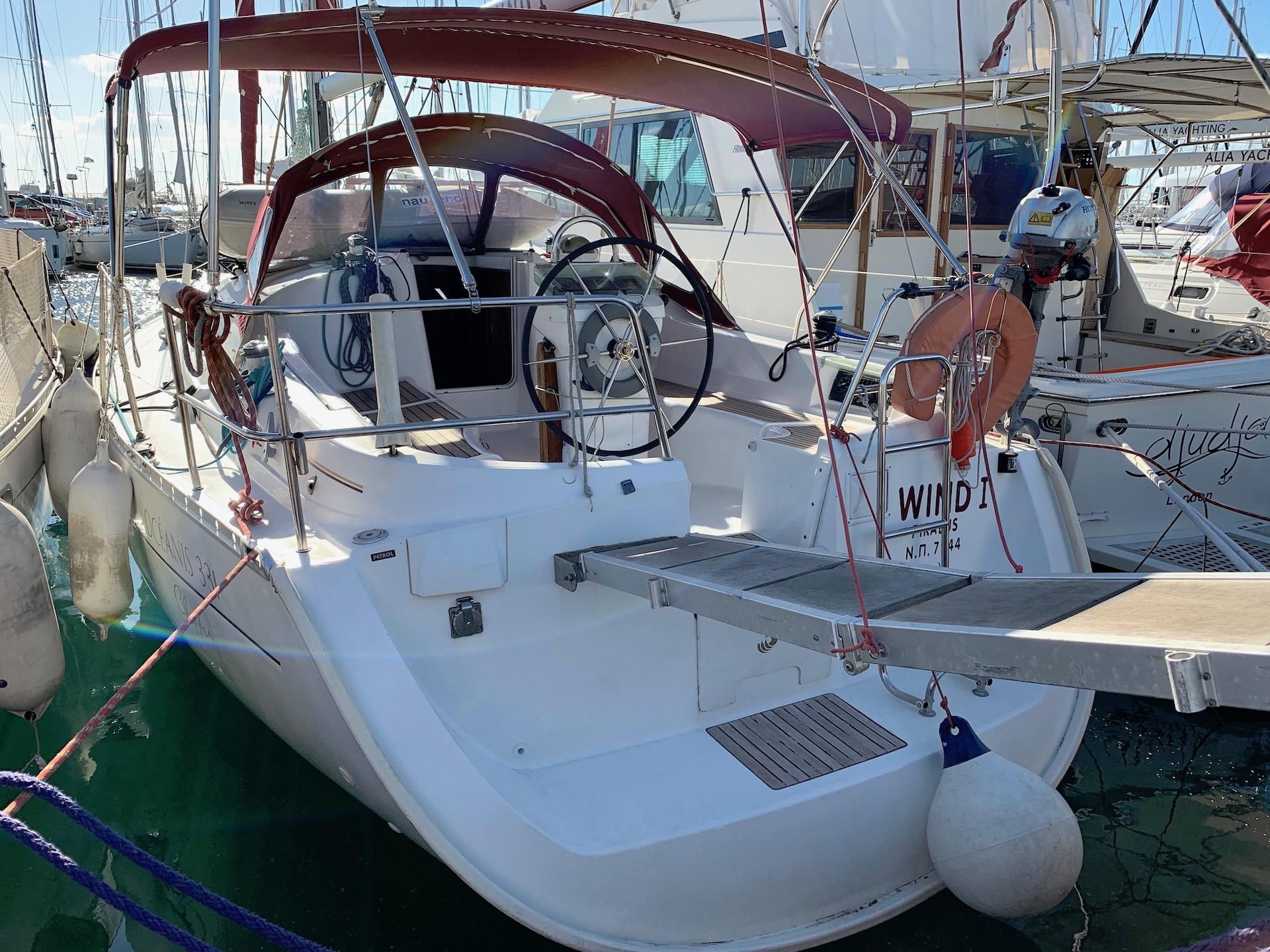 Yacht Wind 1