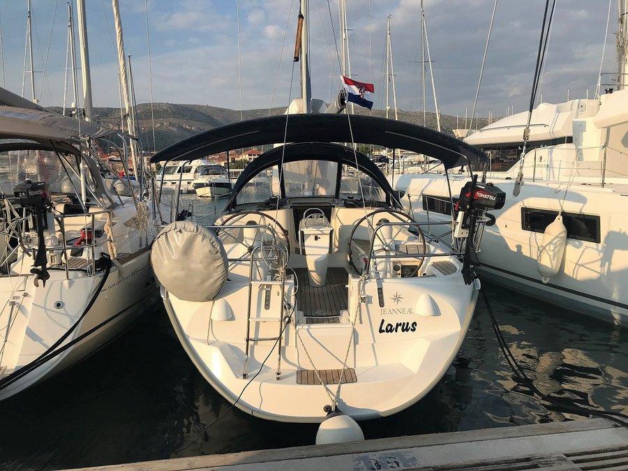 Sun Odyssey 40.3, Larus