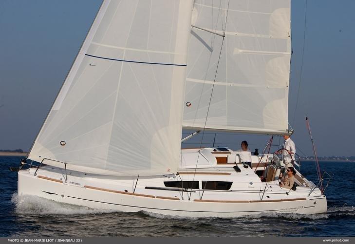 Sun Odyssey 33i - Arosa