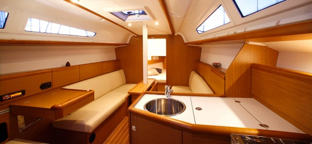 http://ws.nausys.com/rest/yacht/1061745/pictures/sun_odyssey_33i_2.jpg