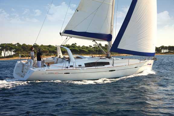 Yacht Renee IV