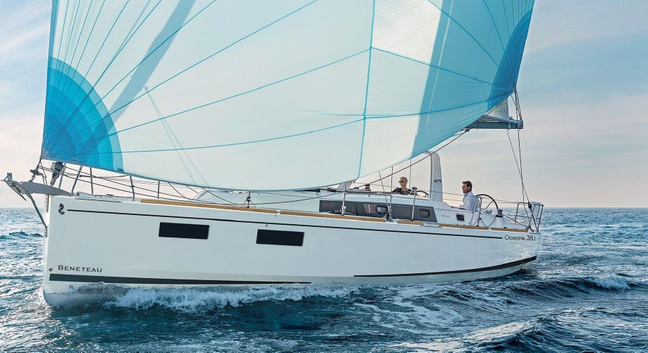 Oceanis 38.1 - Aura