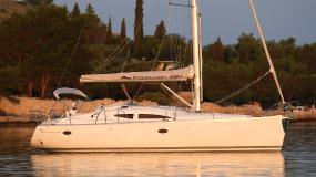 Elan 384 Impression - Multihull Yachting