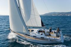 Bavaria 34 Cruiser - 2 cab. - Multihull Yachting