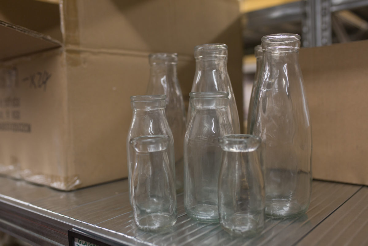 New Covent Garden Flower Market April 2017 Market Report Rona Wheeldon Flowerona Milk Bottle Vases At Whittingtons
