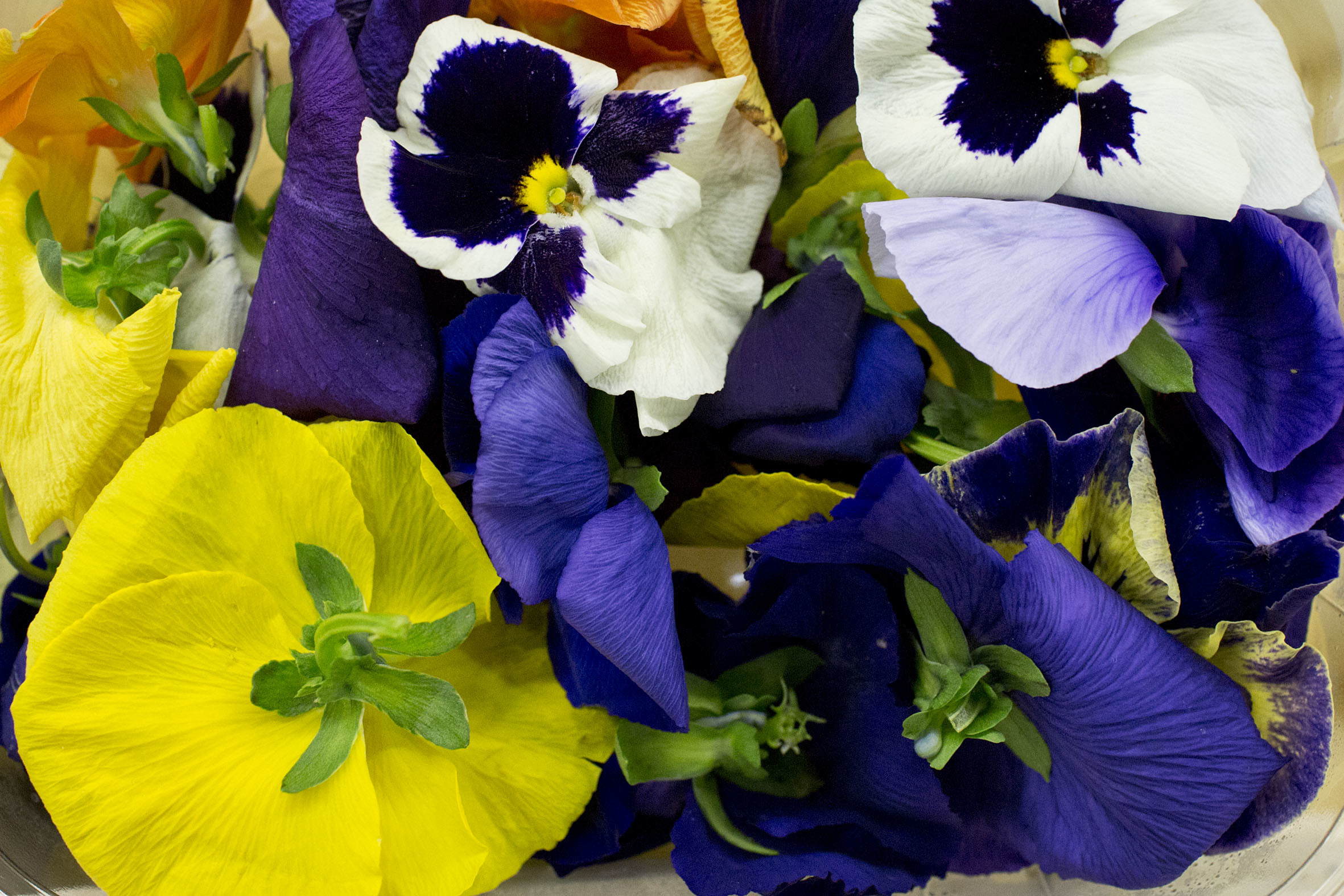 Fruit And Vegetable Market Report April 2014 Edible Flowers