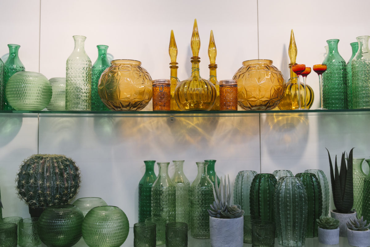 New Covent Garden Flower Market April 2019 In Season Report Rona Wheeldon Flowerona Wheeldon Flowerona Green And Amber Glass Vases At C Best