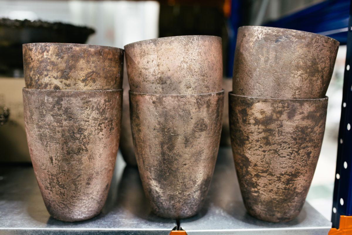 New Covent Garden Flower Market October 2017 Flower Market Report Distressed Metal Containers At The Flower Store Part Of Bloomfield