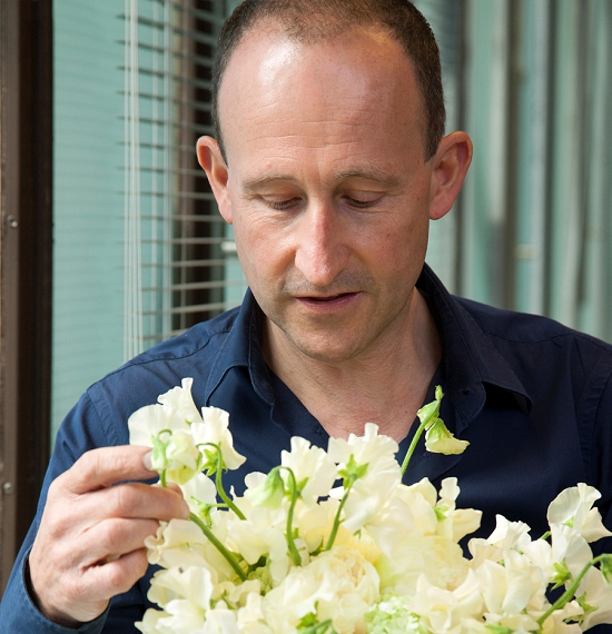 Paul Thomas Sweet Pea Bouquet Arranging