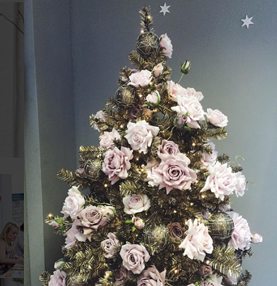 InWater Flowers pastel Christmas tree