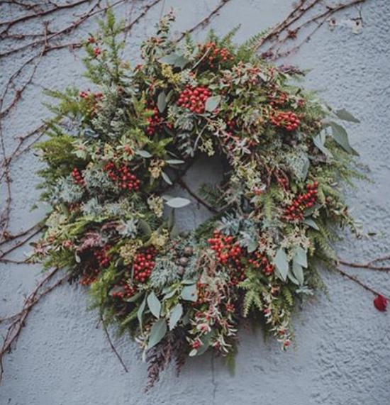 Kitten Grayson natural look wreath
