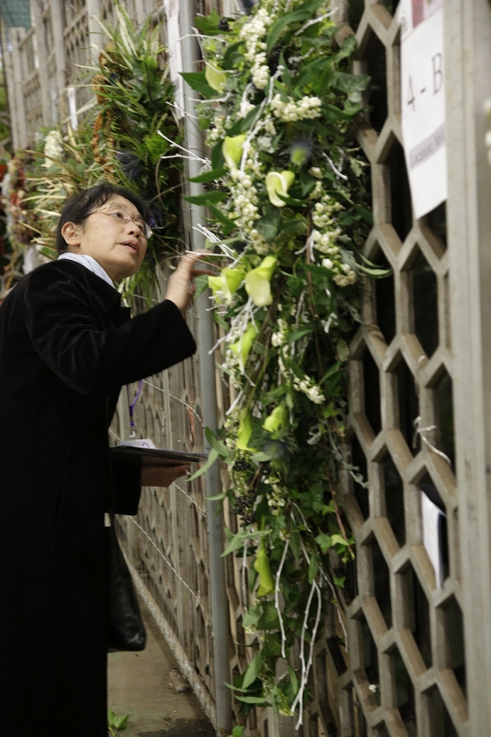 Konomi Tajima Judging at the Flower Market College Day 2015