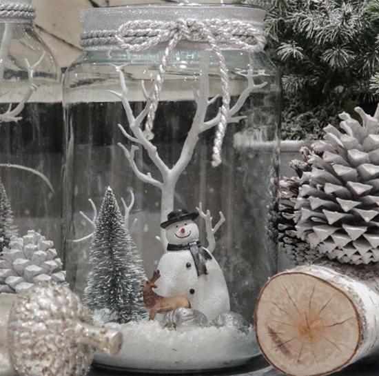 McQueens glass snowman jar
