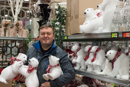 Ian of Whittingtons with polar bear friends at New Covent Garden Flower Market - Christmas 2015