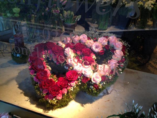 Kennington Flowers design with red roses