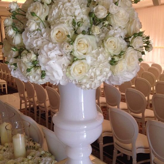 Simon Lycett design using white and cream roses