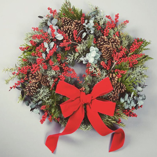 Paul Thomas nostalgic red and green wreath