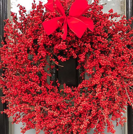 Rob Van Helden nostalgic red wreath