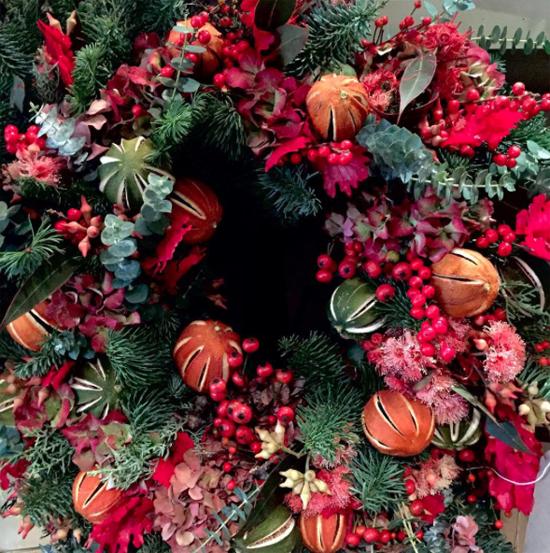 Scarlet & Violet nostalgic red and green wreath