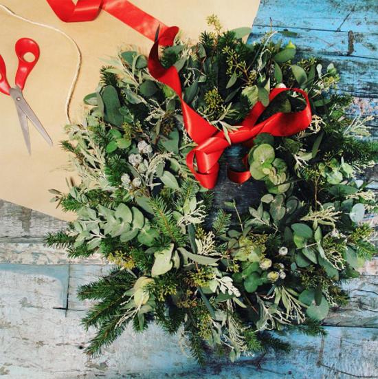 Sweet Pea Flowers natural look wreath