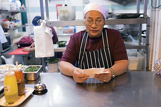 Chef Chalor at Mama Thai Restaurant