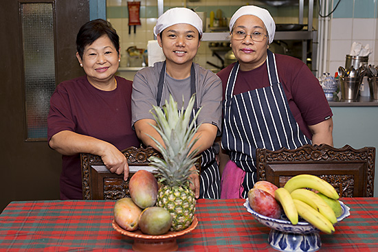 The kitchen team at Mama Thai restaurant