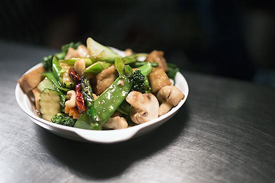 Tofu and vegetables at Mama Thai restaurant
